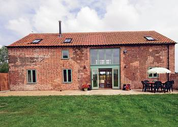 Low-Farm-Barn-holiday-barn-beccles