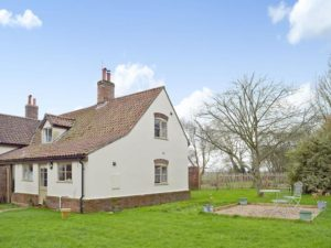 Hire, Let & Rent Riversdelle Holiday Cottage on Beccles ...