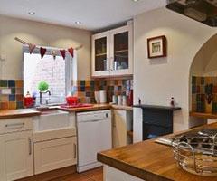 Honeysuckle-Cottage-Beccles-Kitchen