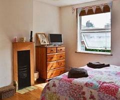 Honeysuckle-Cottage-Bedroom