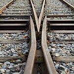 railway-100167037